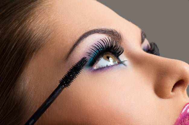 How To Use Makeup/Cosmetics Safely Around Your Eyes