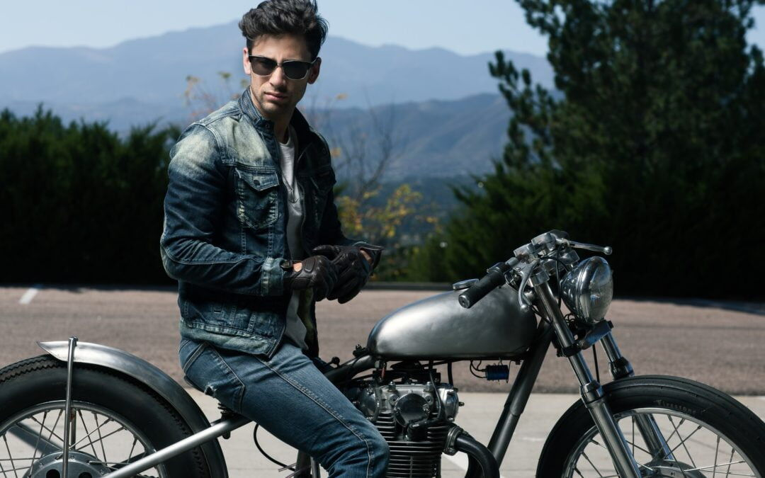 How to Choose the Right Sunglasses for Driving